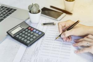 会社設立費用の相場はどれぐらい?自分で設立する場合と司法書士に依頼する場合を解説!